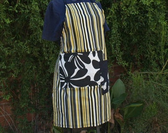 Apron Black and yellow patterned fabric, large pockets, full size heavy canvas, flowers