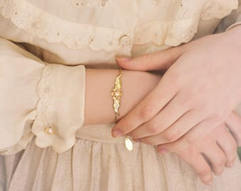 Gold Bracelet, Mother's Day Gift, Gold Gift for Mom, Gold Flower Bracelet, Gold Dainty bracelet, Gold Delicate bracelet, I Love You Gift