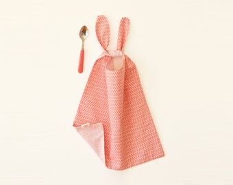 Pink bib, long bib, large bib, reversible bib, baby shower, bib to tie, large neck bib, pink, long bib, handmade bib, ajustable bib