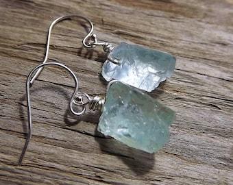 Raw Aquamarine Earrings - Sterling Silver Raw Aquamarine earrings- Sterling Silver Aquamarine Drop Earrings - Rough Aquamarine Drop Earrings