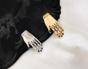 LITTLE HAND PIN