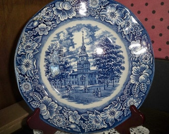 Staffordshire Dinner Plate - Independence Hall - Made in England