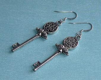 Gift for Her, Antiqued Silver Skeleton Key Dangle Earrings, Silver Key Earrings, Bridal Earrings, Bridesmaid Earrings, Skeleton Key Earrings