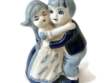 Delft Blue Figurine, Hugging Dutch Boy and Girl, Hand Painted Collectible Ceramics from Holland, Blue and White Pottery, Delftware