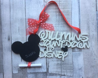 Fabulous personalised countdown to Disney holiday vacation plaque - hand painted