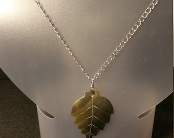 Green mother of pearl leaf necklace