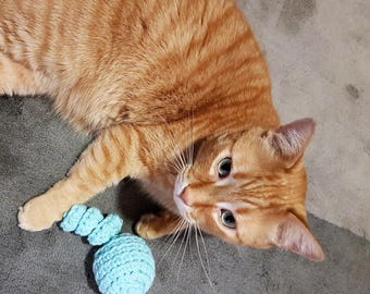 Cat toy ball with spiral tail, 100% Cotton blue ball toy available with or without Catnip