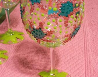 Set of 4 Beach Wine Glasses.Whimsical Wine Glasses.Starfish Wine Glasses. Coastal Wine Glasses.