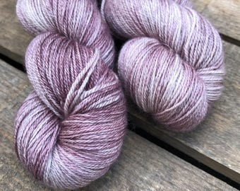 Brombeer-Zweig - Superwash Blue Faced Leicester, Silk & Cashmere Splendiferous Sock 100g