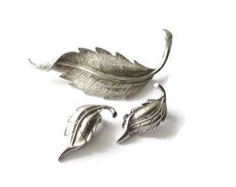 Vintage Silver Tone Feather Motif  Pin and Earring Setn