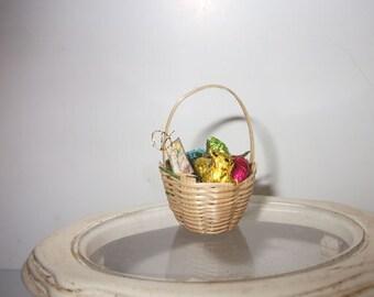 Dollhouse miniature Easter basket 1/12 scale