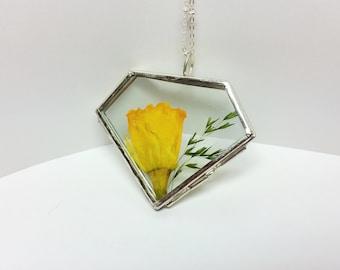 March birthday,Daffodil necklace,Birth flower, Flower of march, , Real daffodil,flower locket ,dried flower necklace,pressed Flower