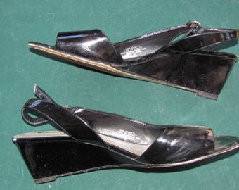 Bandolino Shoes 10 M  - Black Patent Leather OpenToed Summer Shoes -