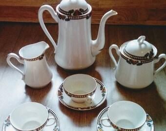 Service a thé fabriqué en France, Porcelaine de Limoges , BRP,  tasses , théière , sucrier , service a thé Vintage France 1920