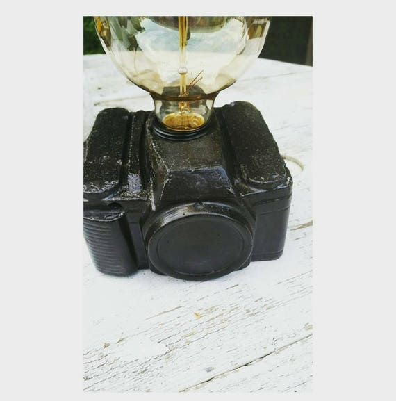 Camera Lamp/Photographer Gift/Camera Decor/ Vintage Home Decor/Vintage Camera/Office light/Desk Lamp/Photography lover/Camera Lover