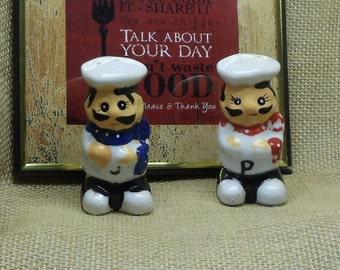Vintage Chefs Ceramic Salt and Pepper Shakers, White, Blue, Red,NEW LISTING!!!,#VB7238