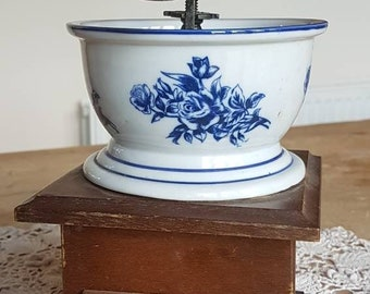 Vintage Blue & White Coffee Grinder Hand Mill Kitchen Ornate Wood and Ceramic!