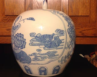 Vintage Blue & White Asian Ginger Jar Made In China