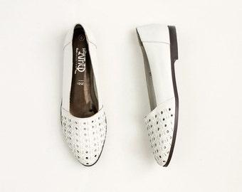 90s Vintage White Leather Lattice Slip On Loafer Flats / Size US 8