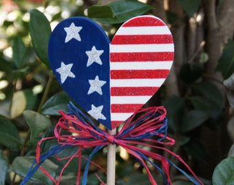 American Flag Heart Plant Poke Stick - 4th of July Wood Garden Sign Decoration