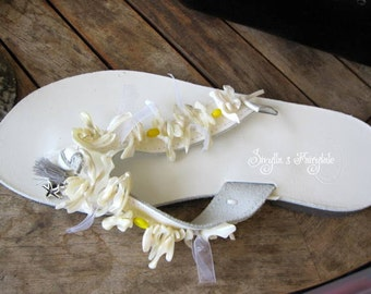 "White Greek Leather sandals  - Wedding sandals - Flip Flops with white shells - ""Daisies"""