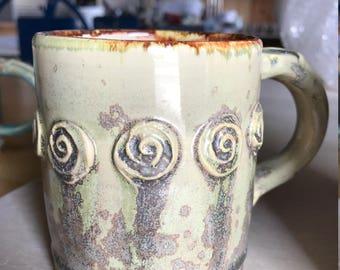 Rosary Mug in Crystals and Cream