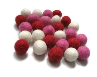 Felt balls 2cm or 1cm - Valentine Color Mix - 25 Pure Wool Beads