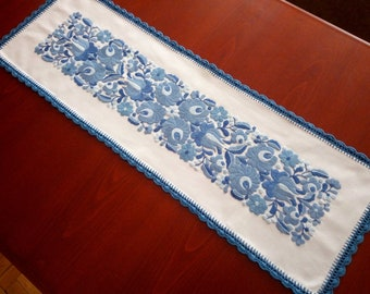 Hungarian embroidery - Hand-embroidered small tablecloth, table runner. Authentical Matyo motives.