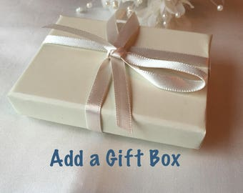 Add a Gift Box (Pin's, Memory Charms, Keychain or Earrings)