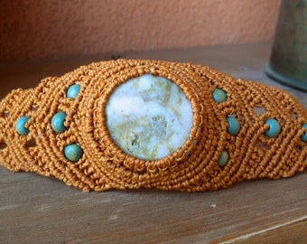 Macrame bracelet with natural sea stone