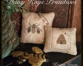 "Primitive ""Bee Humble"" Pillow Tuck Set"