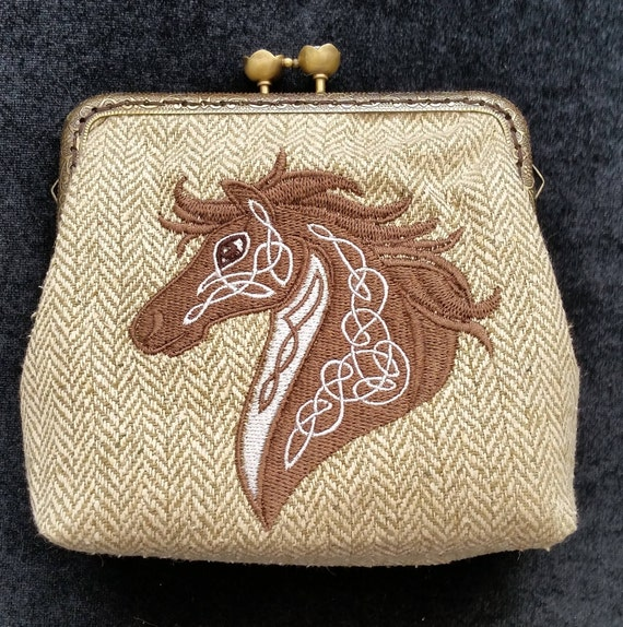 CP535. Coin purse with celtic horse design.