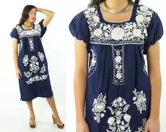 Mexican Embroidered Tunic Sundress Short Sleeve Dress Navy Blue White Floral Caftan Vintage 70s 80s Medium M Hippie Boho Festival