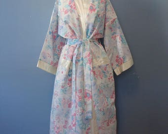 Vintage Floral Robe 70's Pastel Flowers Lightweight Long Flowy Cover Up Appel 1970's Sheer Shabby Chic Cottage Boho Pretty Girly Flowers