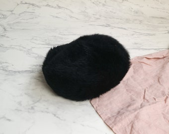Black dyed Tuscan lamb fur hat | Black lamb fur beret | French beret hat | Made in Italy