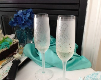 Personalized Etched Toasting Glasses
