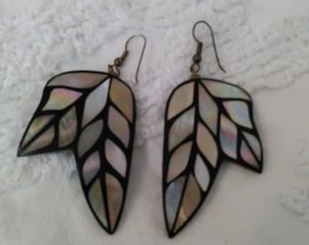 mother of pearl lacquer inlaid feather earrings abalone native american jewelry