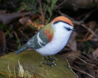 Needle felted bird, Firecrest collectable, wool fibre sculpture, bird lover gift, option to add a crown charm, this exact bird, ready now