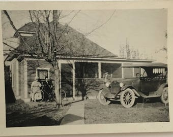 "Vintage Photo ""Where My Aunts Live"" Snapshot Antique Black & White Photograph Paper Found Ephemera Vernacular Interior Design Mood - 40"
