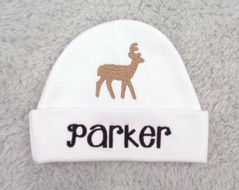 Custom baby hat with deer - personalized preemie hat, newborn beanie - NICU clothes, baby shower gift, hunter baby hat, deer baby hat