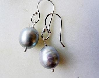 Grey Pearl earrings - Pearl earrings - baroque Pearl earrings - Pearl drop earrings - bridesmaid earrings - Nickel free earrings - large