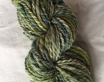 Green Handspun BFL Wool Yarn / 92 yards 3.4 oz Heavy Worsted Thick and Thin