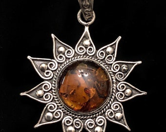Amber Sun 925 Sterling Silver Pendant and Chain