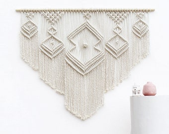 XL Macrame Wall Hanging, Over Bed Art, Macrame Wall Hanging, Over Bed Decor, Macrame Wall Hanging Large, Tapestry Wall Hanging