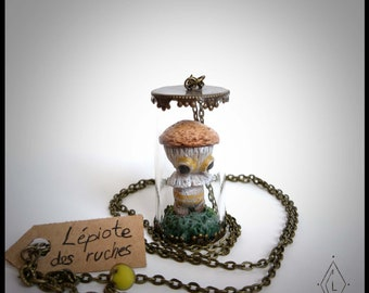 Glass - mushroom Lépiote mini-terrarium - necklace jewelry