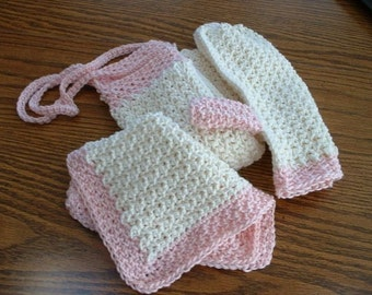 Pink and Ecru Bath Set