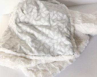 Neutral Baby Blanket - Feather Minky Blanket / Grey Newborn Blanket / Baby Stroller Blanket / Baby Gifts on Etsy / Ready to Ship