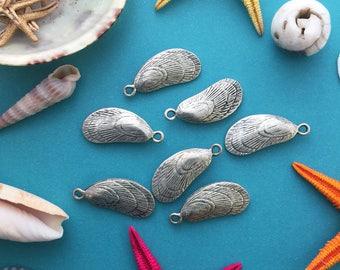 Antique Silver Mussel Shell Charms, 11x27mm, 2pcs / Nunn Designs, Shell Pendants, Nautical, Beach Charms, Sea Shell, Jewelry Supplies