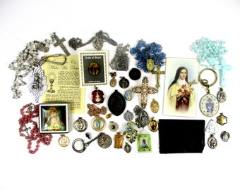 Vintage Religious Lot, Lot of 40 Religious Medals,2-Relic Medals,Rosary Holders,Rosaries,Brooches,Bracelets,Necklace w/Pendant,Keychains,etc