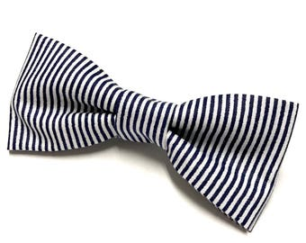 Navy Striped Bow tie, White and Navy Bowtie, Navy Blue Bowtie, Striped Bow tie, Nautical Bow tie, Bowtie with Stripes, Blue and White Bowtie